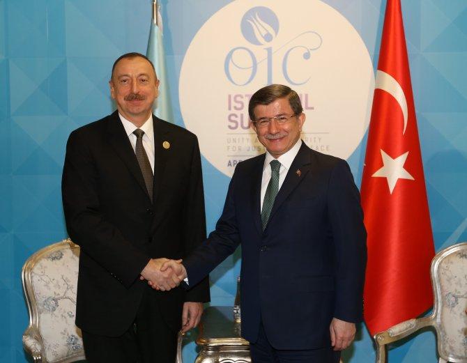Davutoğlu, Aliyev ile görüştü