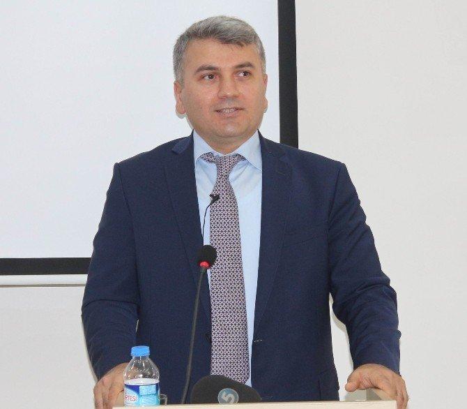 Elazığ'da 'Medyada Yeni Yönelimler Ve Gazeteciliğin Geleceği' Adlı Seminer Verildi