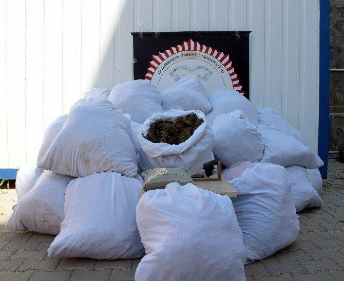 Diyarbakır'da 287 Kilo Esrar Ele Geçirildi