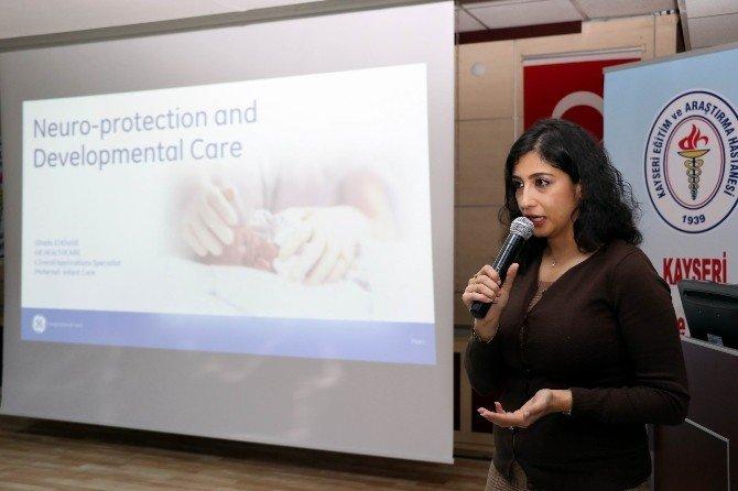 Kayseri'de Prematüre Bebeklerin Nörogelişimsel Bakım Eğitimi Düzenlendi