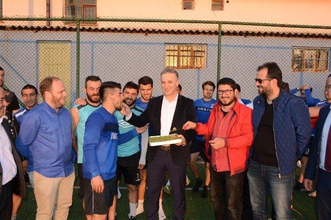 Yunusemre Belediyespor'a 'Tatlı' Sürpriz