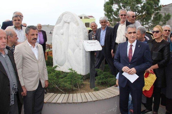 Bursa'da Müstehcen Adem İle Havva Heykeli Tartışması