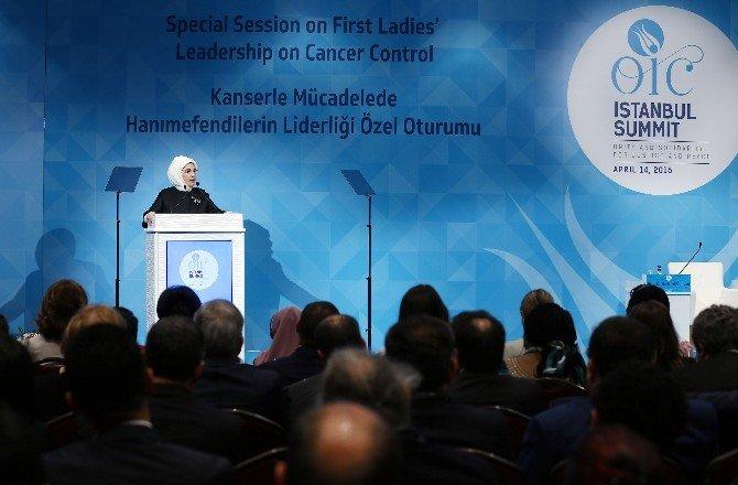 """Emine Erdoğan: """"Dünyada 700 Milyon Çocuk Sigara Dumanına Maruz Kalıyor"""""""