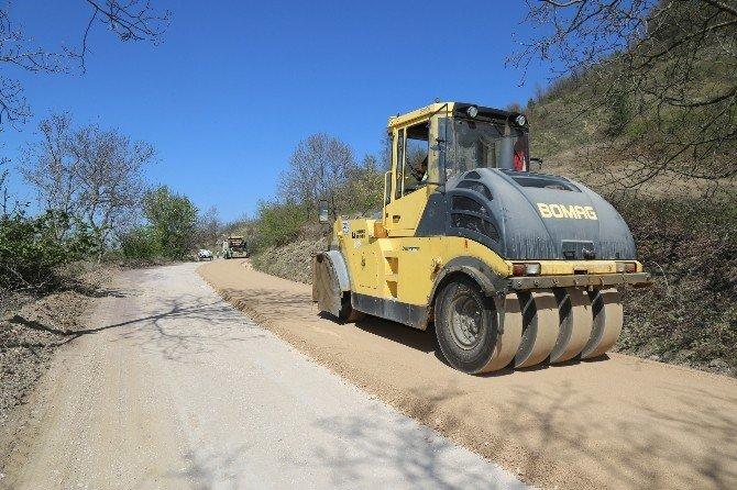 İnegöl'de Köy Yolları Asfaltlanıyor