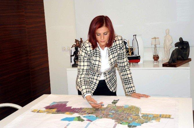 Kuşadası'nda Trafik Sorunu Köprülü Kavşaklarla Asgariye İnecek