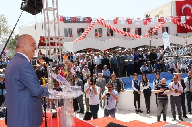 Büyükşehir'den Selendi'de Toplu Açılış