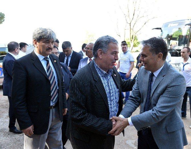 Muratpaşa Belediye Başkanı Uysal Muhtarlarla Buluştu