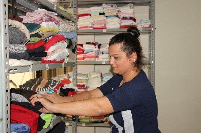 Hastaneden 700 Kişiye Giysi Yardımı