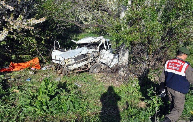 Konya'da Otomobil Şarampole Uçtu: 2 Ölü, 1 Yaralı