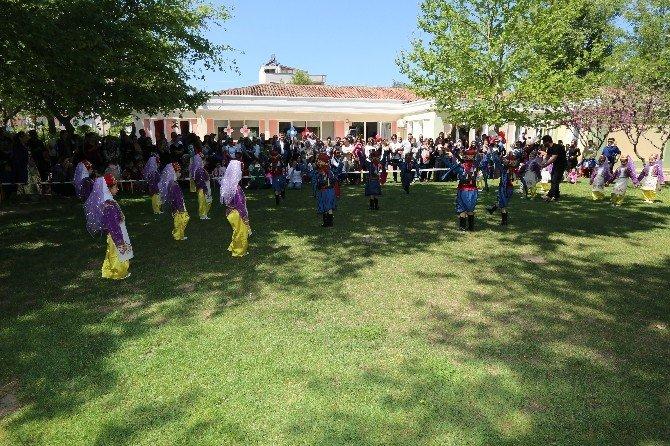 Selçuk'ta Minikler 23 Nisan Coşkusunu Erken Kutladı