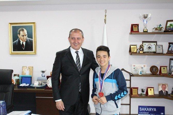 Dünya Şampiyonası'ndan Madalyalarla Döndüler