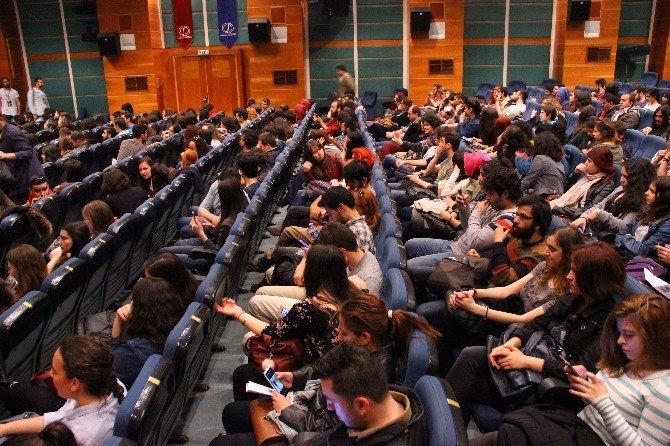 """""""15. Amatör Tiyatro Günleri"""" Anadolu Üniversitesi'nde Başladı"""