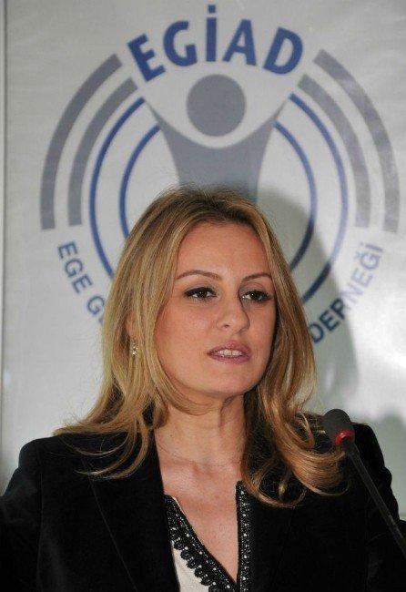 Egiad'da 150 Bin Genç Beyinle Kemeraltı'na Yeni Bakış