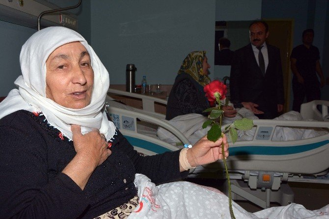 Hastalara Kutlu Doğum Sürprizi