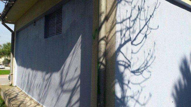 Yunusemre'de Kaldırım Ve Trafolar Renkleniyor