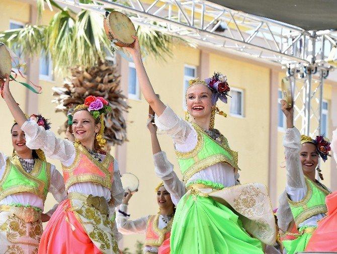 Turizm Haftası Urla'da Karnaval Havasında Başladı