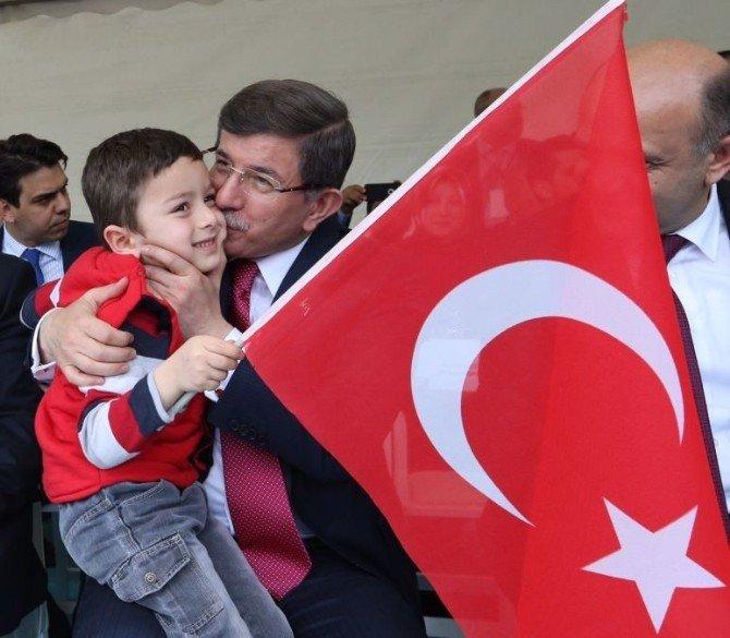 Başbakan Ahmet Davutoğlu, Düzce'de Kılıçdaroğlu'nu Eleştirdi