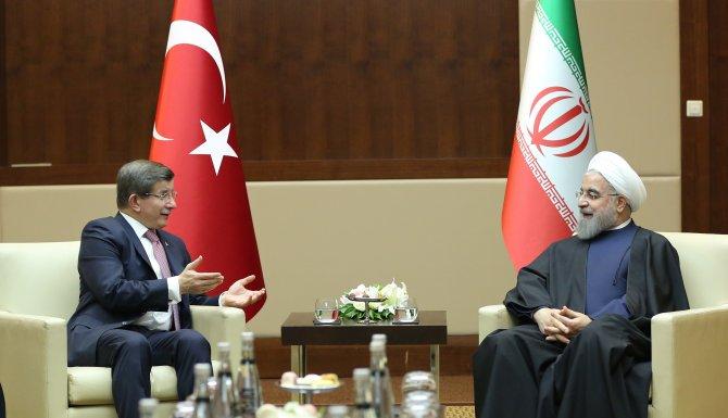 Başbakan Davutoğlu ile İran Cumhurbaşkanı Ruhani görüştü