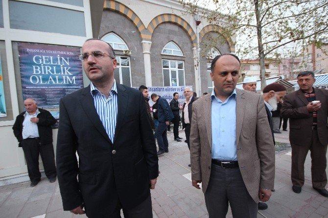 Beyşehir'de Belediyeden Sıcak Süt İkramı