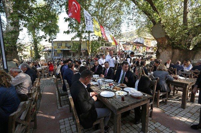Bin Yıllık Çınarın Keyfi, Bu'çınar Kafe'de Çıkacak