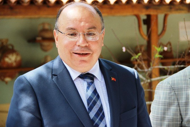 """Vali Amir Çiçek: """"Muğla'ya Mülteci Kampı Yapılmayacak"""""""