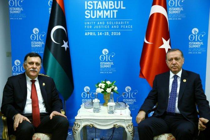 Erdoğan, Libya Başkanlık Konseyi Başkanı Serraj ile bir araya geldi