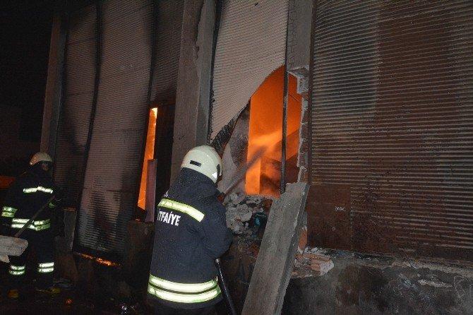 Bafra'da Depo Yangını