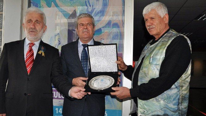 Bandırma'da ''Renklerle O'na Yolculuk'' Sergisi Açıldı