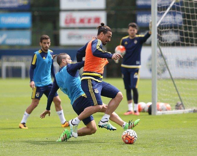 Fenerbahçe, Mersin İdmanyurdu Hazırlıklarını Sürdürüyor