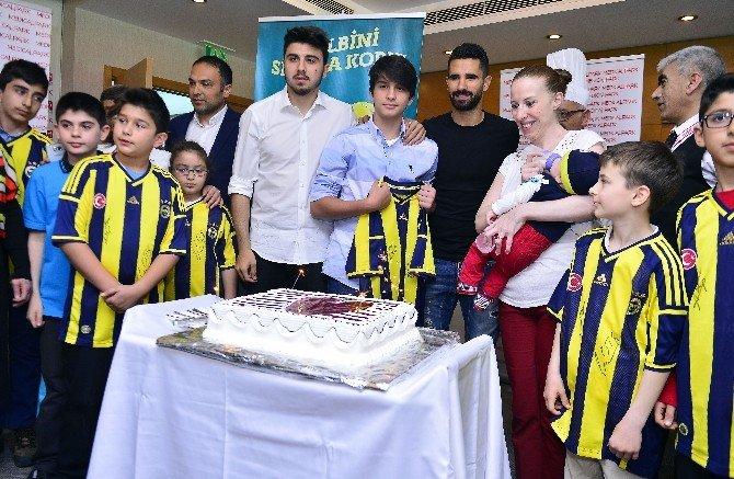 Fenerbahçeli Futbolculardan Anlamlı Destek