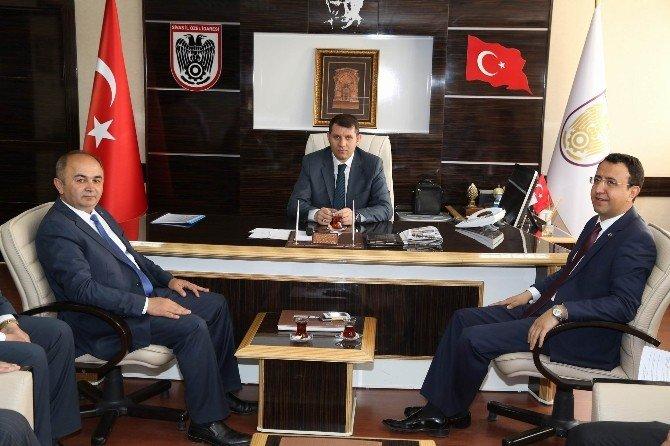 Gürün Heyetinden, İl Özel İdaresi Genel Sekreteri Ayhan'a Ziyaret