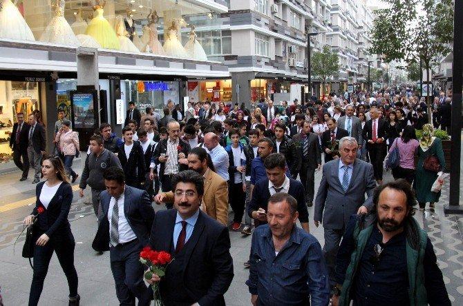 """Samsun'da """"Turizm Haftası"""" Yürüyüşü"""