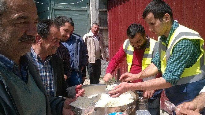 Hanönü'de 300 Kişiye Pilav Ve Ayran İkram Edildi