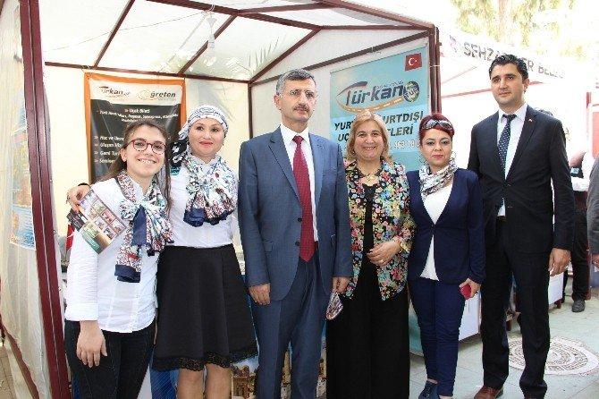Vali Bektaş'ın Turizm İşletme Stantlarına Ziyaret