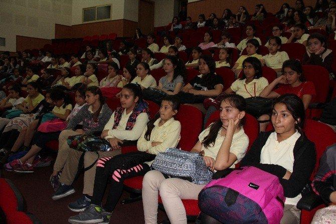 'Aziz Sancar Kız Çocukları İçin Stem' Projesi Mersin'de
