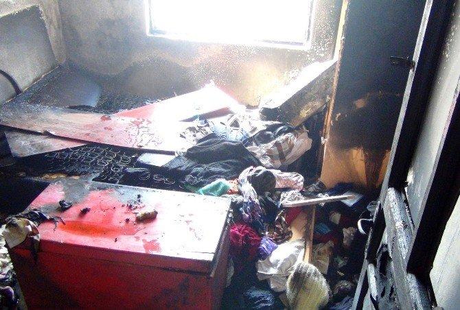 Gaziantep'te Yangında Dumandan Etkilenen Bir Kişi Hastaneye Kaldırıldı