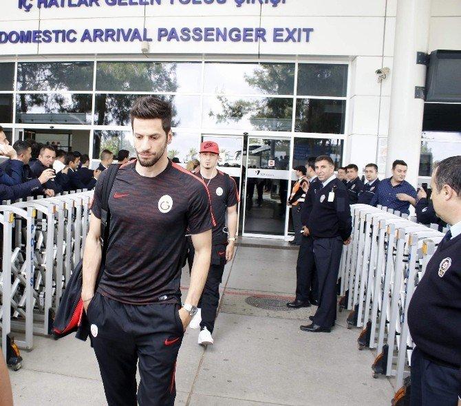 Antalya'da Galatasaray'a Sönük Karşılama