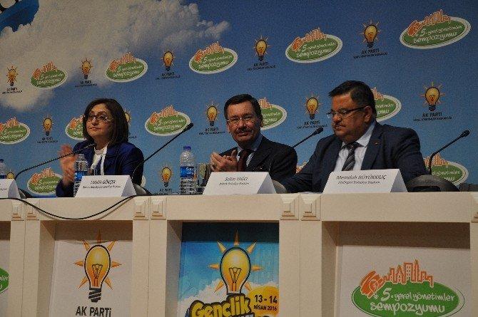Başkan Yağcı, AK Parti 5. Yerel Yönetimler Sempozyumunda Bilecik'i Anlattı