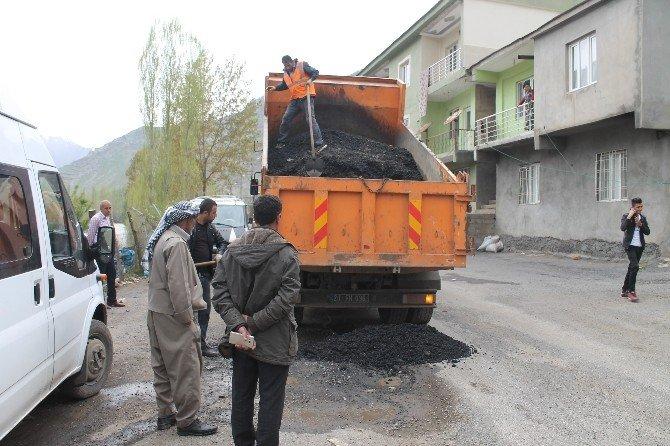 Şırnak-beytüşebap Karayolunda Yama Çalışmaları Sürüyor