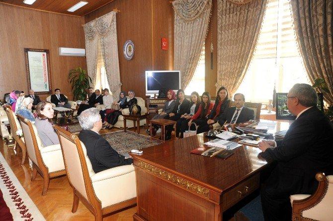Stajyer Öğrencilerden Bilecik Valisi Ahmet Hamdi Nayir'e Ziyaret