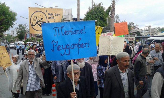 Tarsus'ta 'Kutlu Doğum' yürüyüşü yapıldı