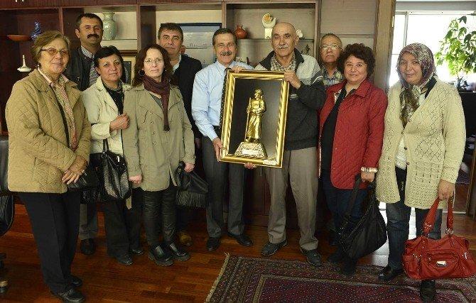 Hanımeli Sokak İçin Başkan Ataç'a Teşekkür Ziyareti