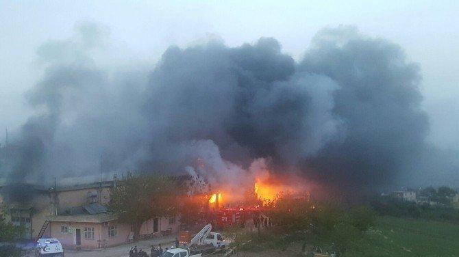 İplik Fabrikasındaki Yangın Kontrol Altına Alındı
