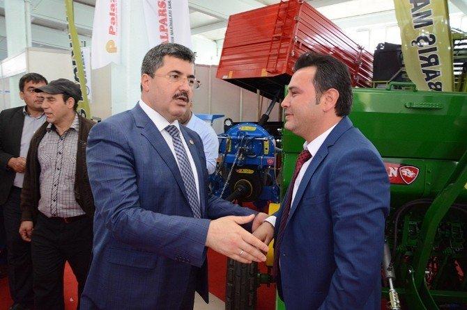 AK Parti Milletvekili Özkaya Afyonkarahisar'daki Tarım Fuarını Ziyaret Etti