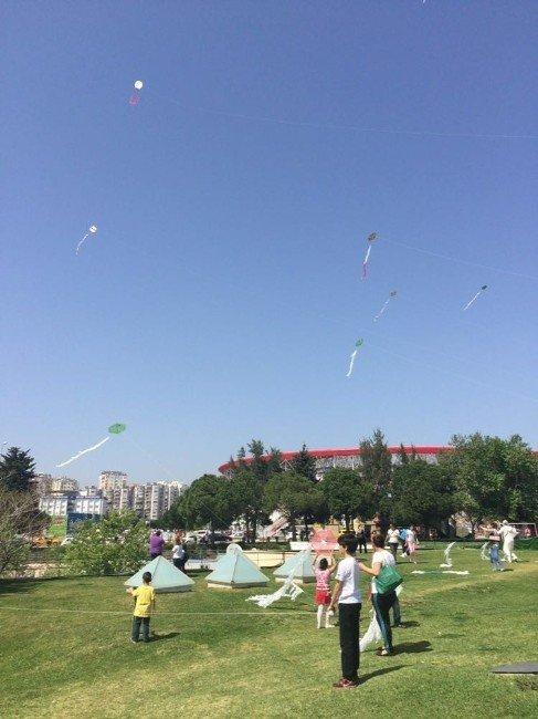 Bilim Festivali Öğrencilerinden Uçurtma Şenliği