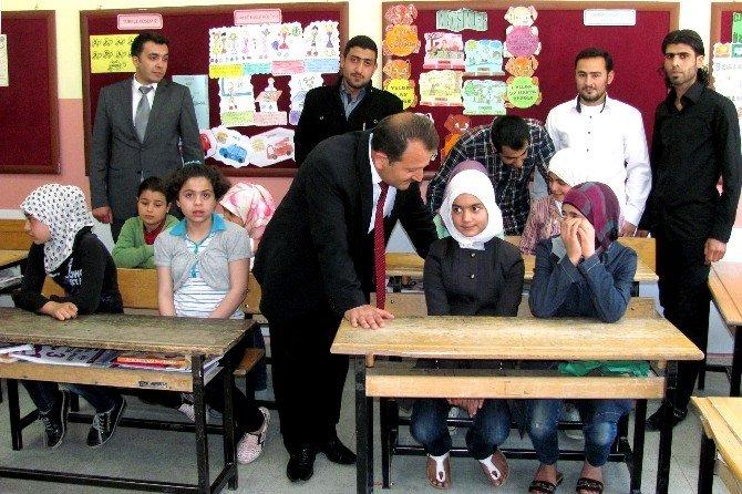 Suriyeli Çocuklar İçin Geçici Eğitim Merkezi Açıldı
