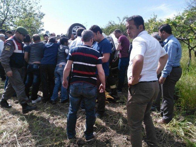 Balıkesir'de Başhekimin Kullandığı Araç Kontrolden Çıkarak Bariyerlere Çarptı: 5 Yaralı