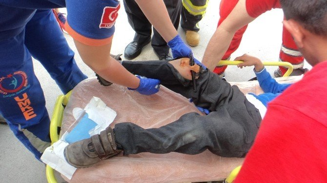 Fethiye'de Çocuğun Bacağına Demir Korkuluk Saplandı