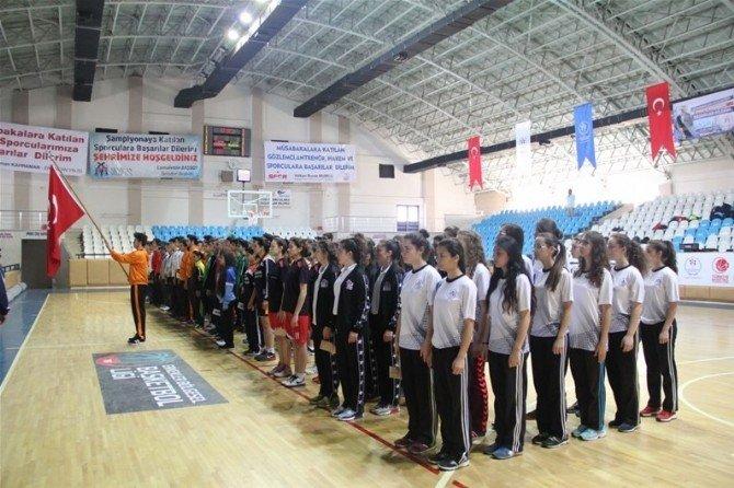 Erzincan'da Basketbol Heyecanı