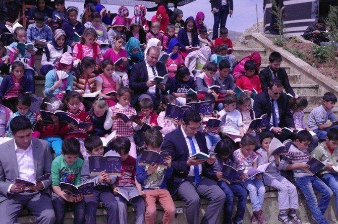 Hasankeyf'te Kitap Okuma Etkinliği Düzenlendi